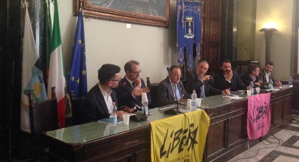 """17 giugno 2016, La Spezia, presentazione collana """"Contrappunti"""""""